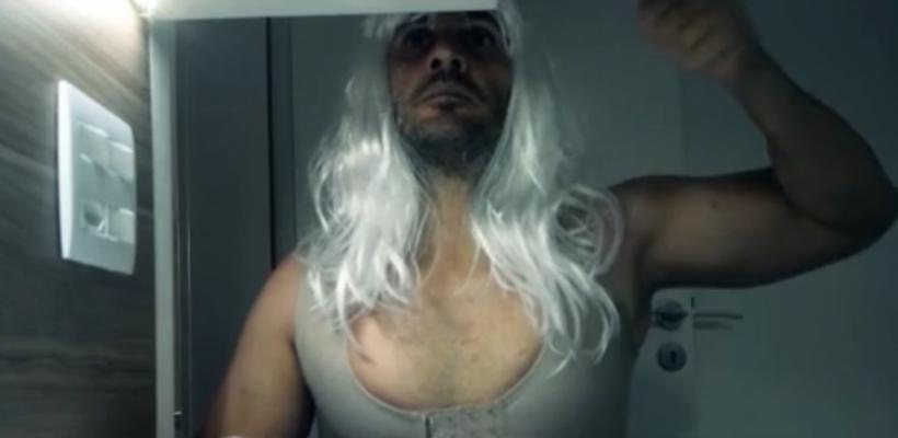Homem faz paródia em vídeo para vender seu apartamento